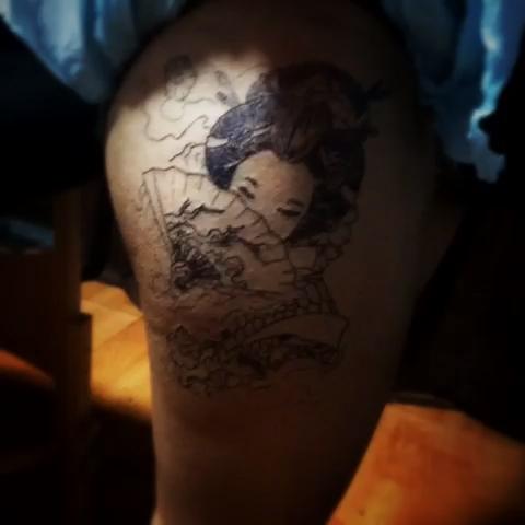 分享到:                          艺妓纹身
