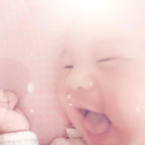 宝宝很开心图片表情包