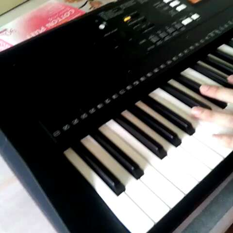 学钢琴!图片