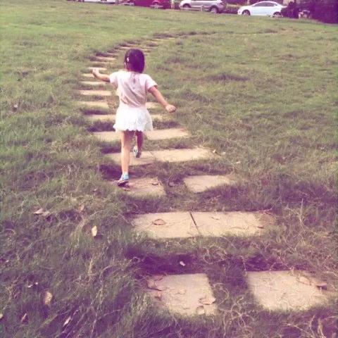 奔跑的女孩