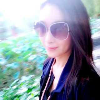 walking in Beijing<span class=