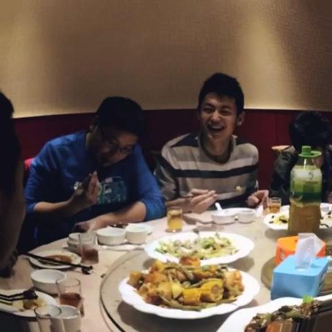 兄弟姐妹聚餐喽