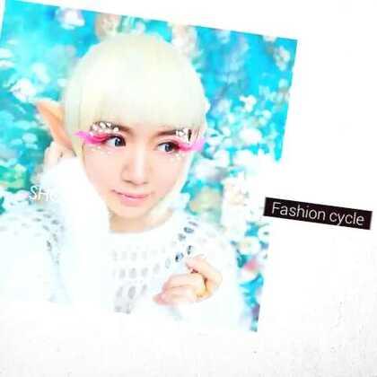 #圣诞节##时尚##彩妆造型#天气冷了 好希望快点下雪 化了一个雪精灵的妆 希望大家大家喜欢😘😘😘