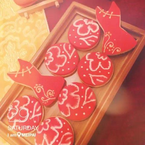 红色欧式甜品台