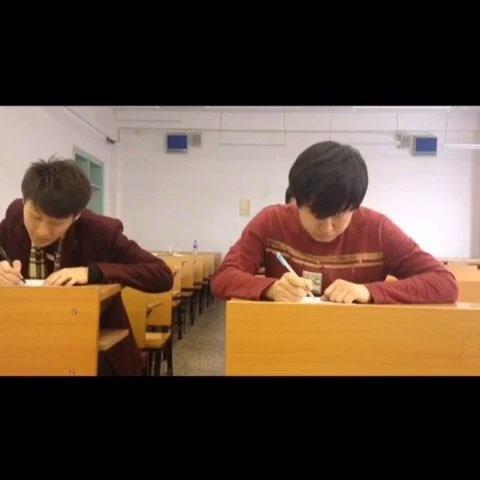 坑爹的队友!搞笑视频@杨公子要上进喜欢的点赞.关注哟。谢谢大家的喜欢,老王会更加努力,拍出更多好玩的作品奉献给大家。