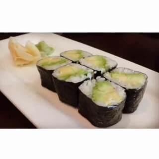 日式牛油果卷