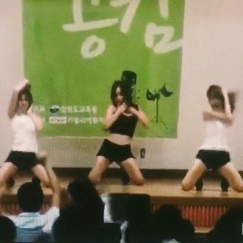 韩国????美女在男校性感??热舞,台下男生??都疯啦????#60秒美