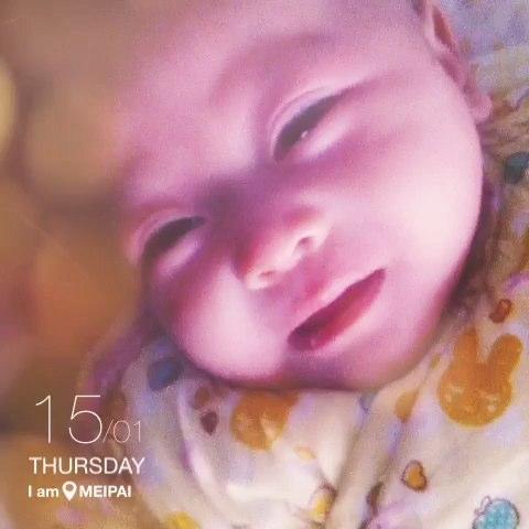 宝宝不想起床表情图片