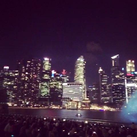 "MbS 金沙hotel light show"""
