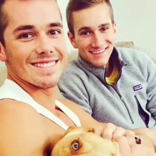 欧美男男情侣Miller和Ethan😍啊!你这样亲我,我还要继续做仰卧起坐吗?😉#同性伴侣#