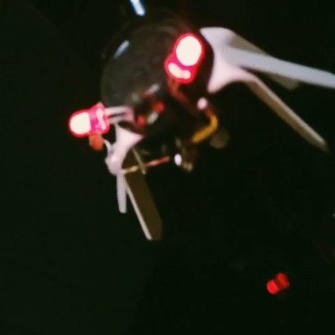 光控蜂鸣器偏心轴马达三极管,二极管.史上最帅机械甲虫!