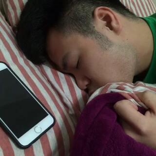 睡觉时候的电话