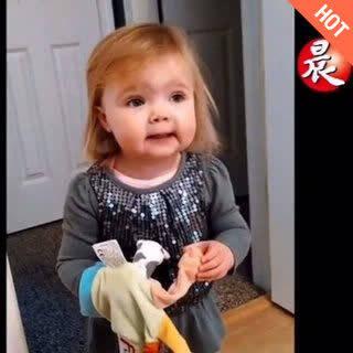 2岁萌娃唱歌呢