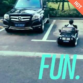 老板新车试驾!