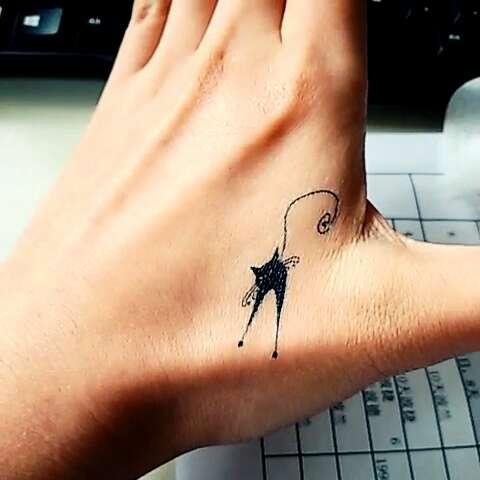 我的小猫纹身!@卉姑凉 @晴儿周周 @zhaoiawei