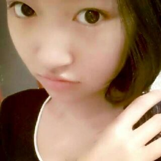 我只是想做一个#安静的美女子#,我的#520萌照#,萌不萌~