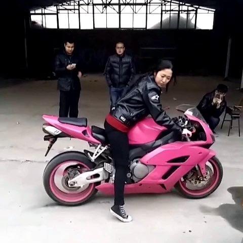 女人摩托机车摄影图片