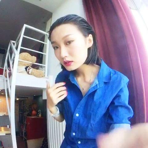 """#吕颖的颖私#今天教你们做早上以梦为马大片里的发"""""""