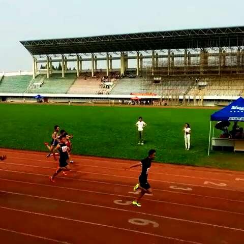 高中女子组800米,短裤牛仔小萝莉上演惊天大逆小学招生热线平南图片