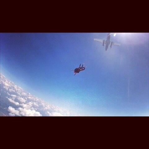 #14000英尺高空跳伞# 今天去体验了高空跳伞