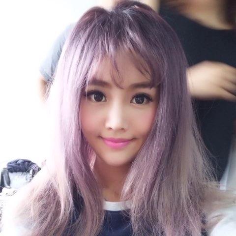 """今天拍攝假髮系列♡奶奶灰系列的紫羅蘭顏色~好看嗎"""""""