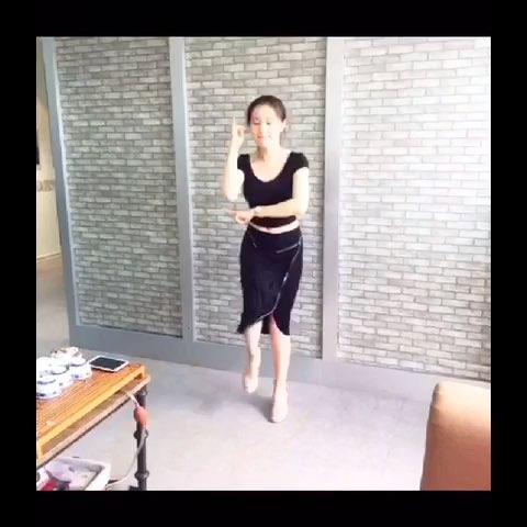 """轻水发功舞 - 鲍天琦的美拍"""""""