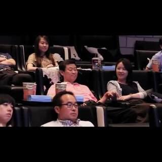 韩国三星集团组织的一次真爱活动,让几十对父女们来个无通知的约会,吃饭,看电影,让父女之间进行最大的感情沟通,好感人!!父亲节来了,你应该要对父亲说些什么啦?和父亲约起来,说出你内心深藏多年的敬爱哦!提前祝#父亲节快乐##我要上热门#@美拍小助手