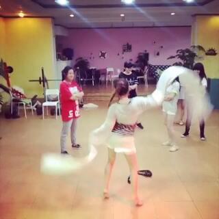 #全民bangbangbang#第二波来袭!哈哈!民族舞老师太嗨啦!@让你滚你就滚💃