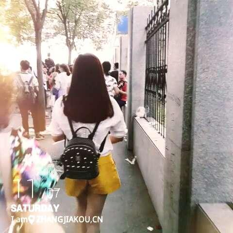 折木奉太郎背影