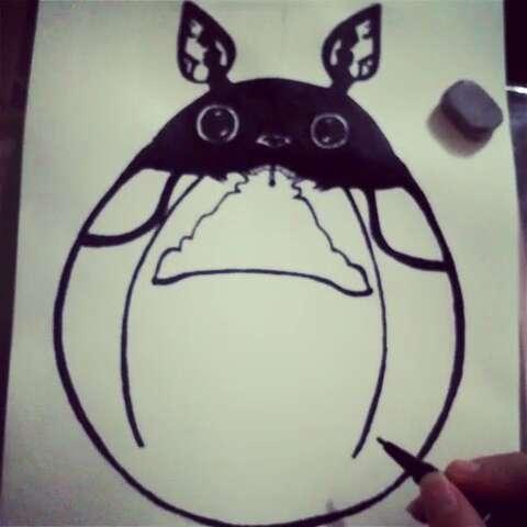 创意龙猫 上#宫崎骏##龙猫##卡通##黑白画##手绘#画
