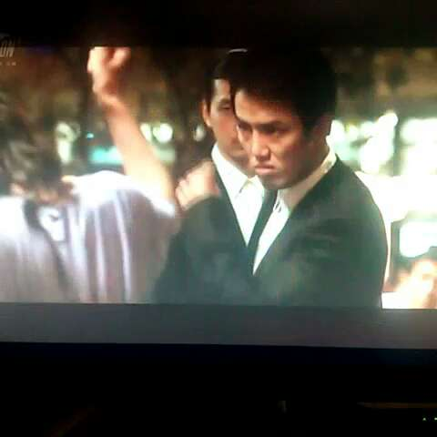 #60秒美拍#韩国电影 洪吉童的后裔 中男猪脚给女猪脚庆生的