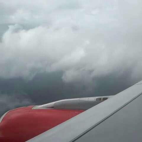 到斯里兰卡啦,飞机下落