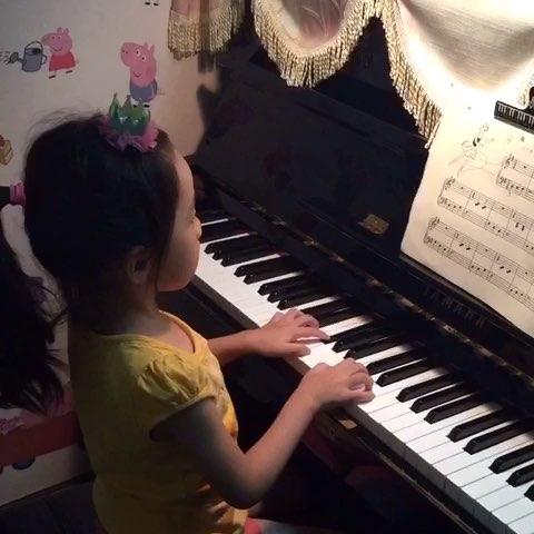 美丽女子钢琴曲谱-溜冰女孩 钢琴谱