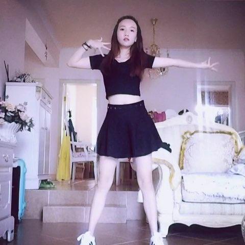 """#舞蹈##爱舞蹈爱生活##女神##披肩发女神# - Hayle"""""""
