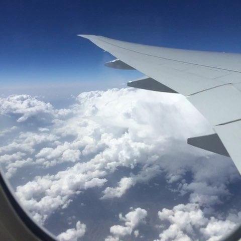 腾云驾雾的飞机,好多云