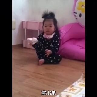 艺彬小时候一次穿袜子的惨痛经历😂「翻译:敏爱安#宝宝##金艺彬#」
