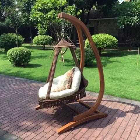 欧式田园风格室内钻石吊椅