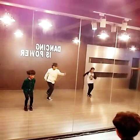 南京luckyseven舞蹈交流中心# lockin 小小梅图片