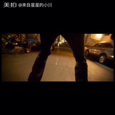 #搞笑#韩国电影 车警官里,一次轮滑尿尿,一次滑雪尿尿????#