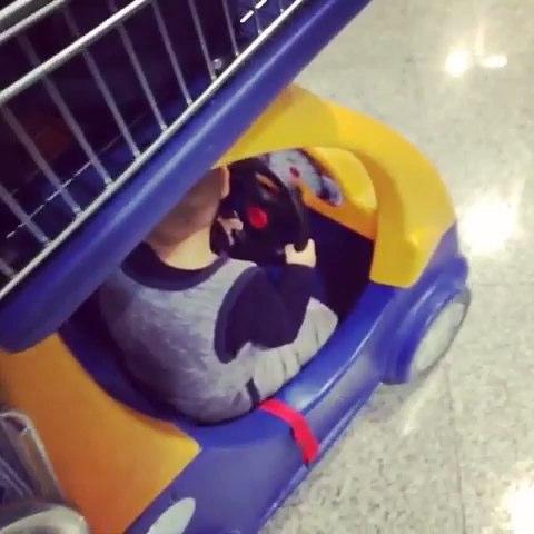 """一个人带孩子坐飞机,两个字""""全程狼狈""""我要的辣妈哪"""