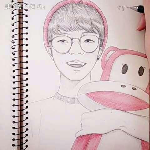 手绘漫画##人物手绘彩铅##韩国偶吧#一个可爱的欧巴过生日