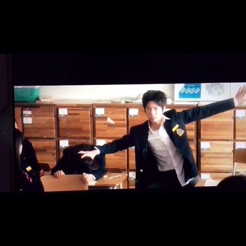 韩国电影#车警官#朴宝剑少年cut,阿泽当年也是逗比的??