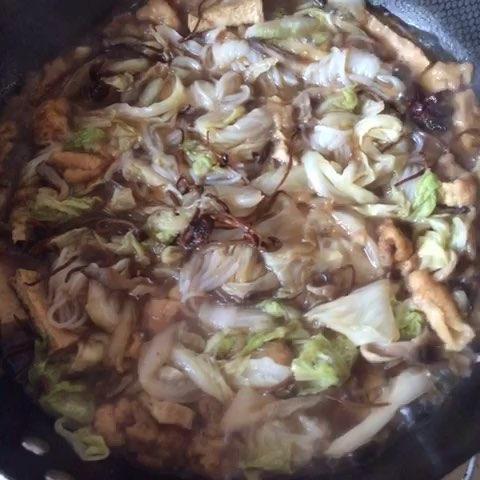 芹菜木耳拌腐竹花生米