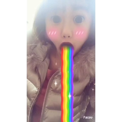 faceu#吐彩虹图片