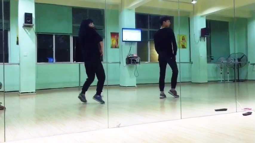 简单好看爵士舞-好看的爵士舞_女生跳简单好看的舞蹈