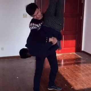 #大风车抱抱# 我和孟子。我也模仿一下。挺有趣的,点个赞支持下吧