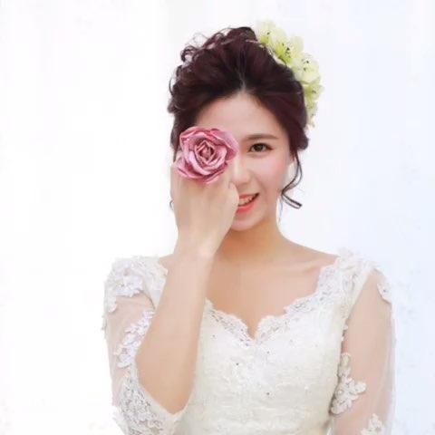 短发新娘也有春天!鲜花配搭空气感造型令新娘子更仙哦!图片