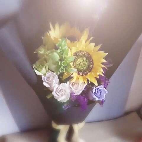 纸藤花##生日礼物##干花##勿忘我##贝壳花#一朋友按照她闺蜜喜欢的花