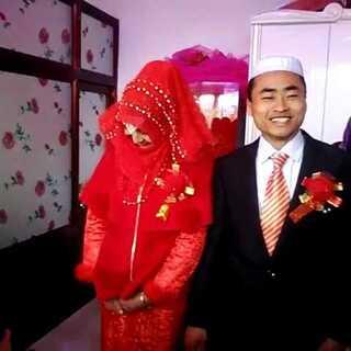 新娘很漂亮,求一个祝福#随手美拍##我要上热门##模仿树懒大赛##裹被子跳枕头##高校直播挑战#