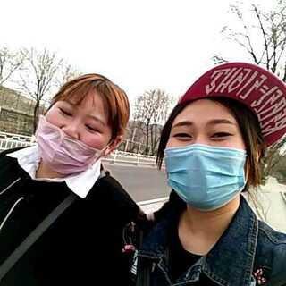 俩🍉在大街上#微笑##自拍##李荣浩##一人一句李荣浩##李白##直播#